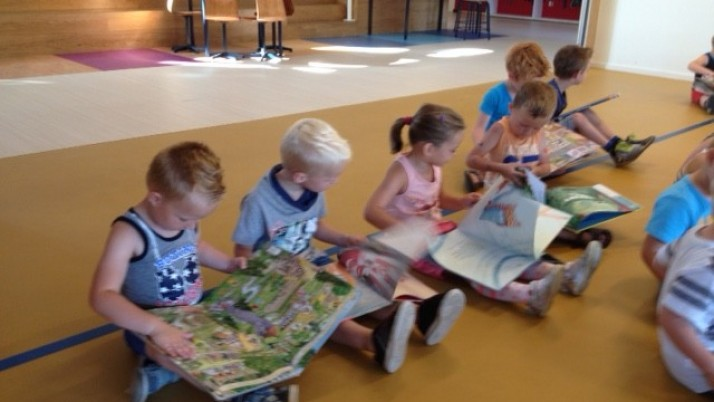 Opening schoolbibliotheek